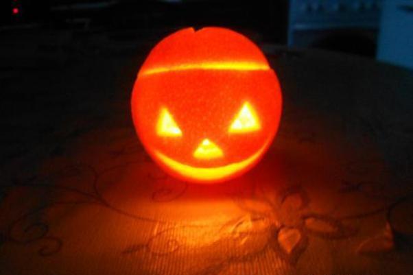 Підсвічник з апельсина у стилі Halloween