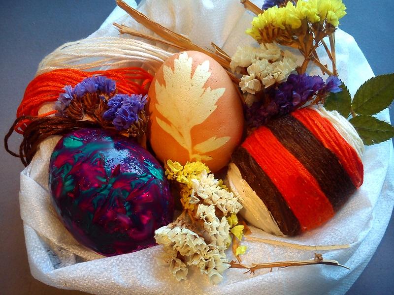 Декоруємо яйця на Великдень