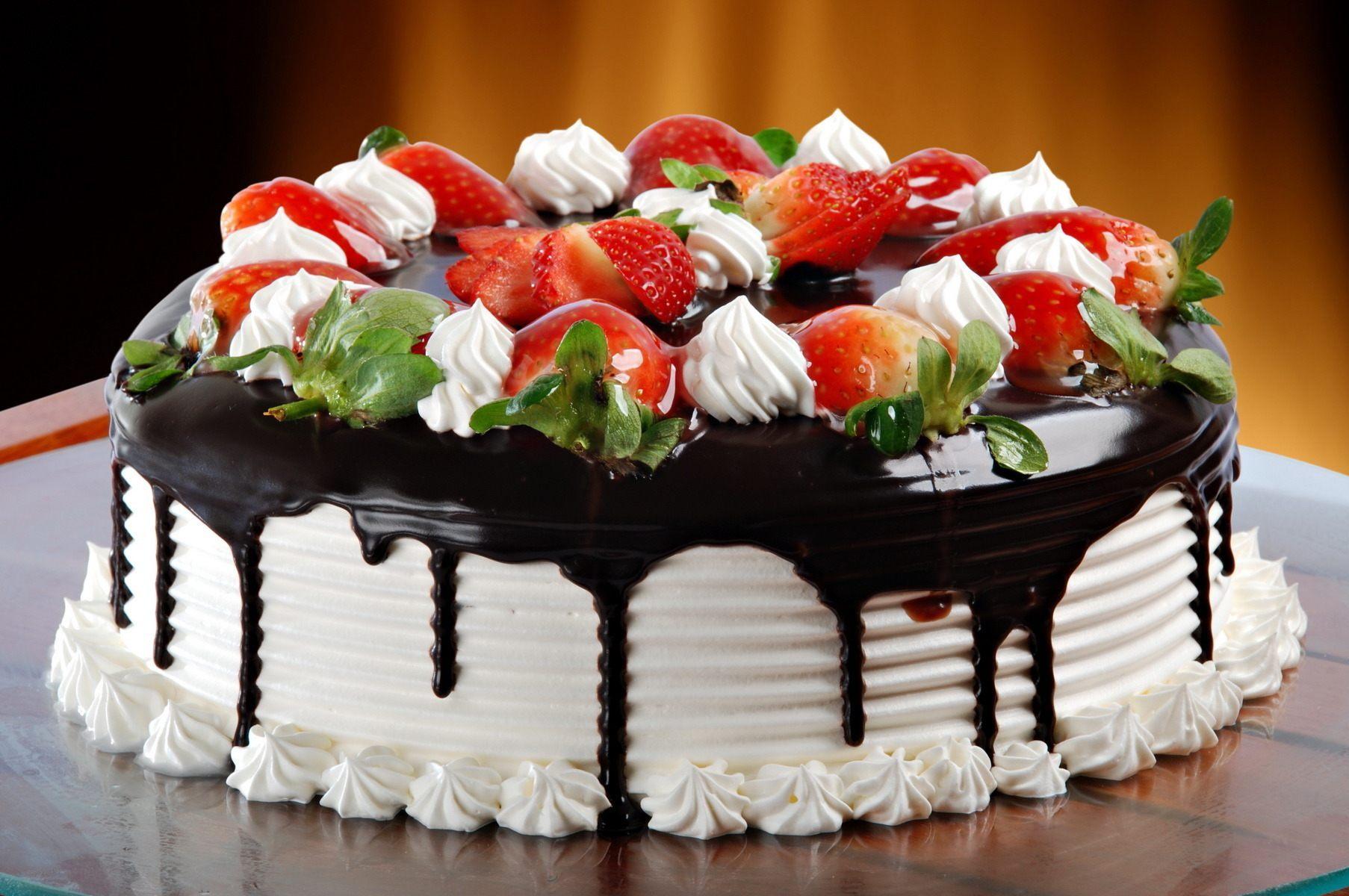 Як прикрасити торт фруктами - смачні ідеї
