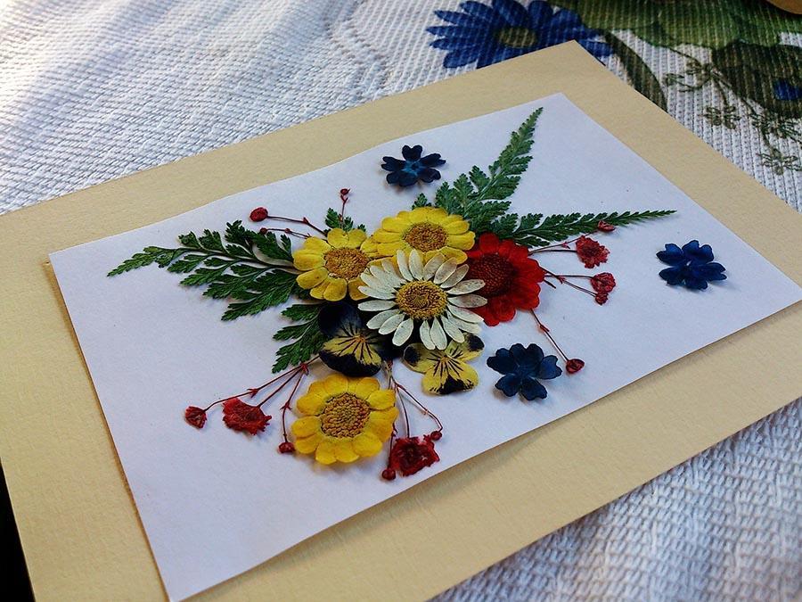 Картини з сухого листя та квітів в техніці ошибана. Ідеї