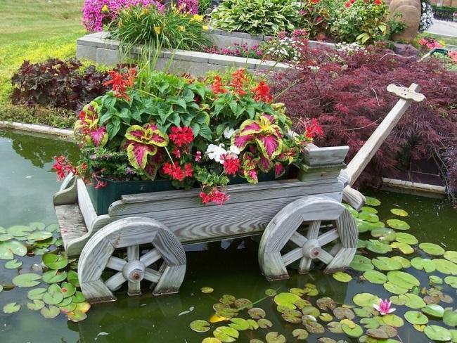 Незвичайні прикраси для саду своїми руками
