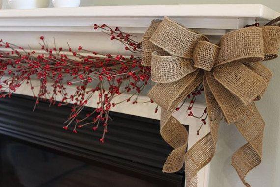Новорічний та різдвяний декор з мішковини. Ідеї