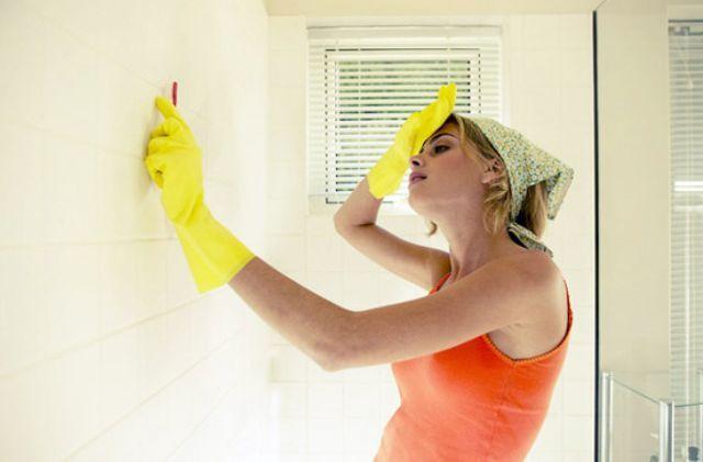 Як позбутися плісняви в ванній