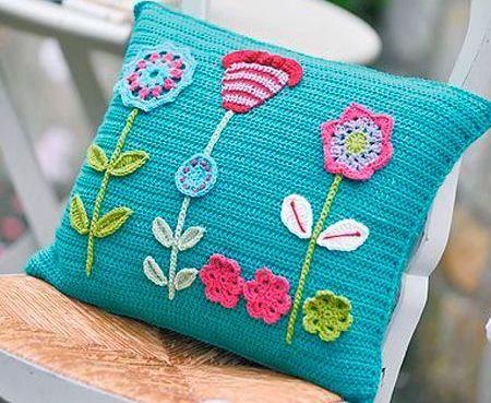 Оригінальні подушки, в'язані гачком - ідеї для творчості
