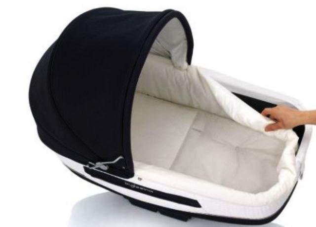Як правильно прати дитячу коляску