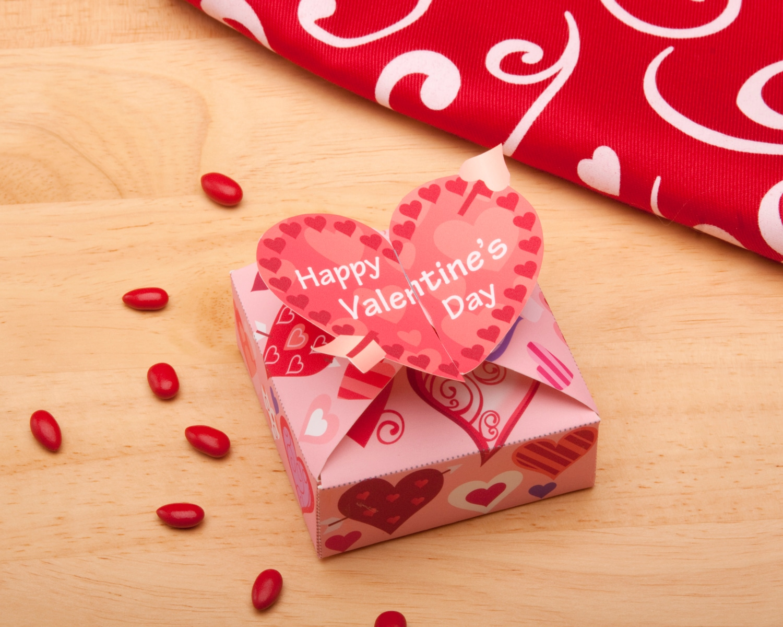 Розмальовки для дітей на День закоханих