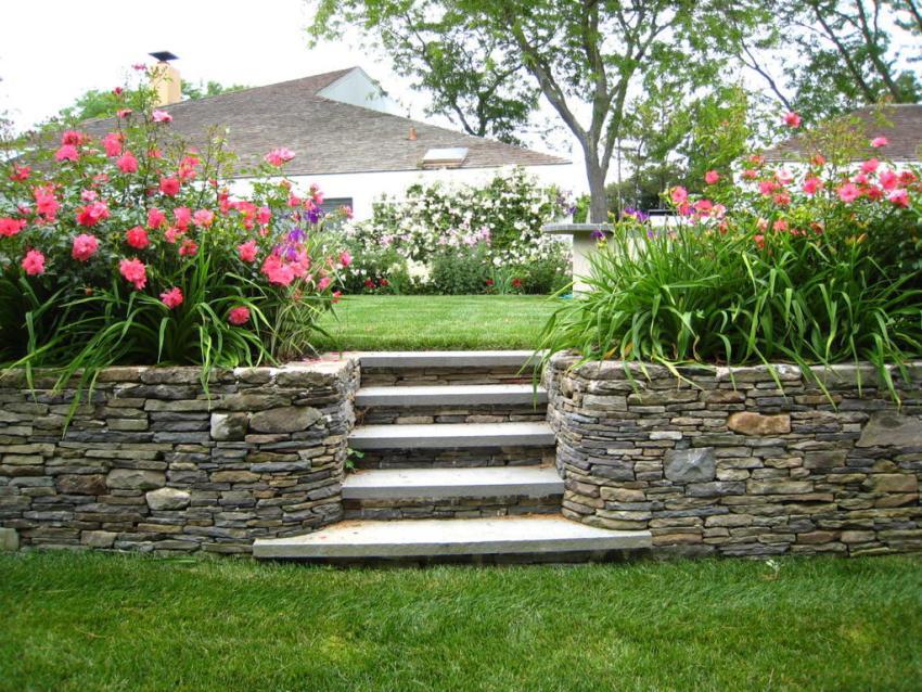 Як зробити садові сходи на дачі