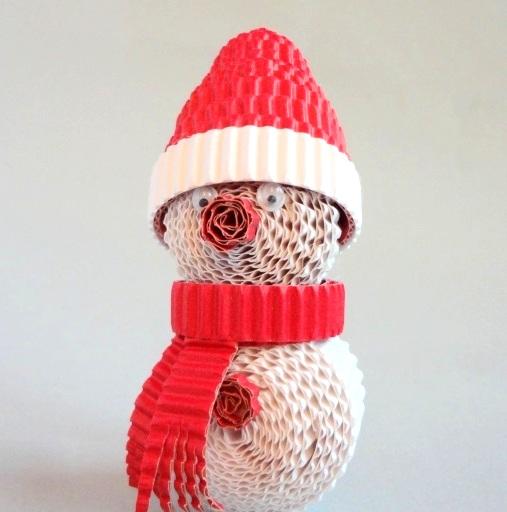 Сніговик з гофрованого картону