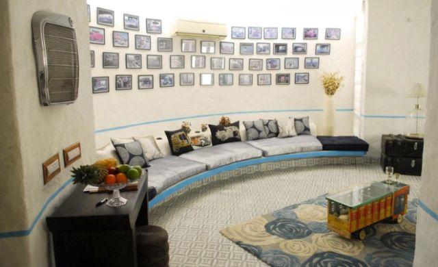 Стіна за диваном: ідеї декору