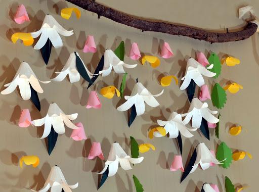 Весняні гірлянди з паперу. Ідеї
