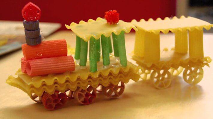 Вироби з макаронів