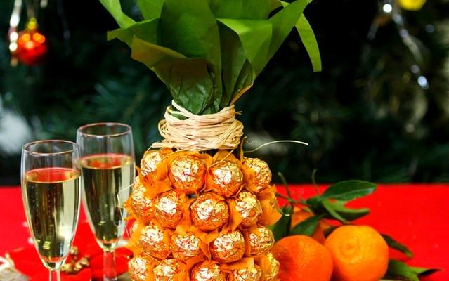 Шоколадний ананас для святкового столу