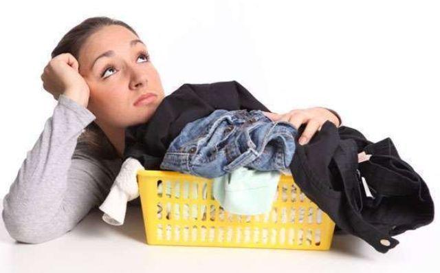 Видаляємо запах сирості з одягу